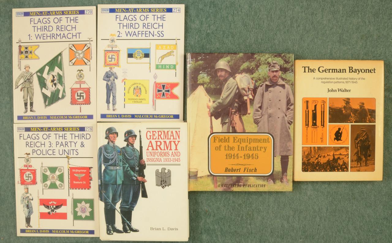 BOOKS WW II GERMAN MILITARY - C31212