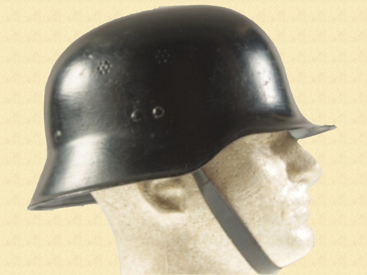 GERMAN WW2 FIRE POLICE HELMET - C10890