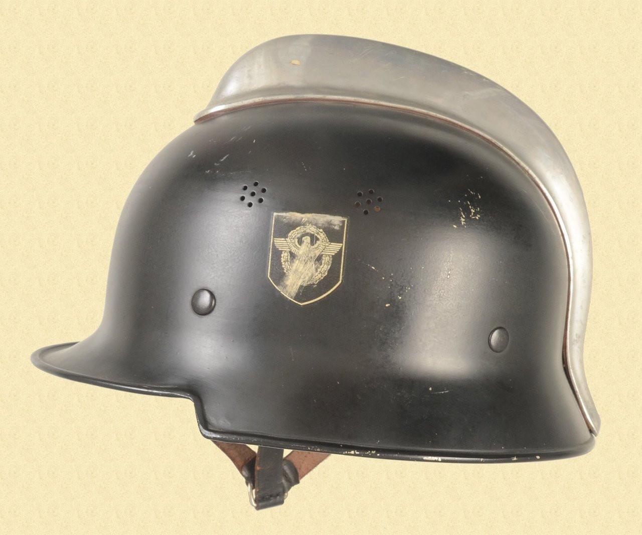 GERMAN M-34 POLICE HELMET - C40175