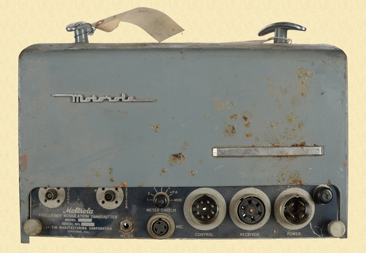 MOTOROLA FREQUENCY MODULATION TRANSMITTER FMT30D - C18853