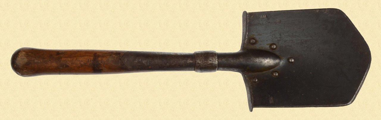 GERMAN WW1 ENTRENCHING TOOL - C19417
