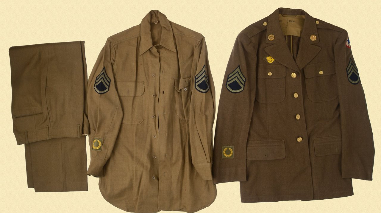 U.S. WW2 UNIFORMS LOT - C29638