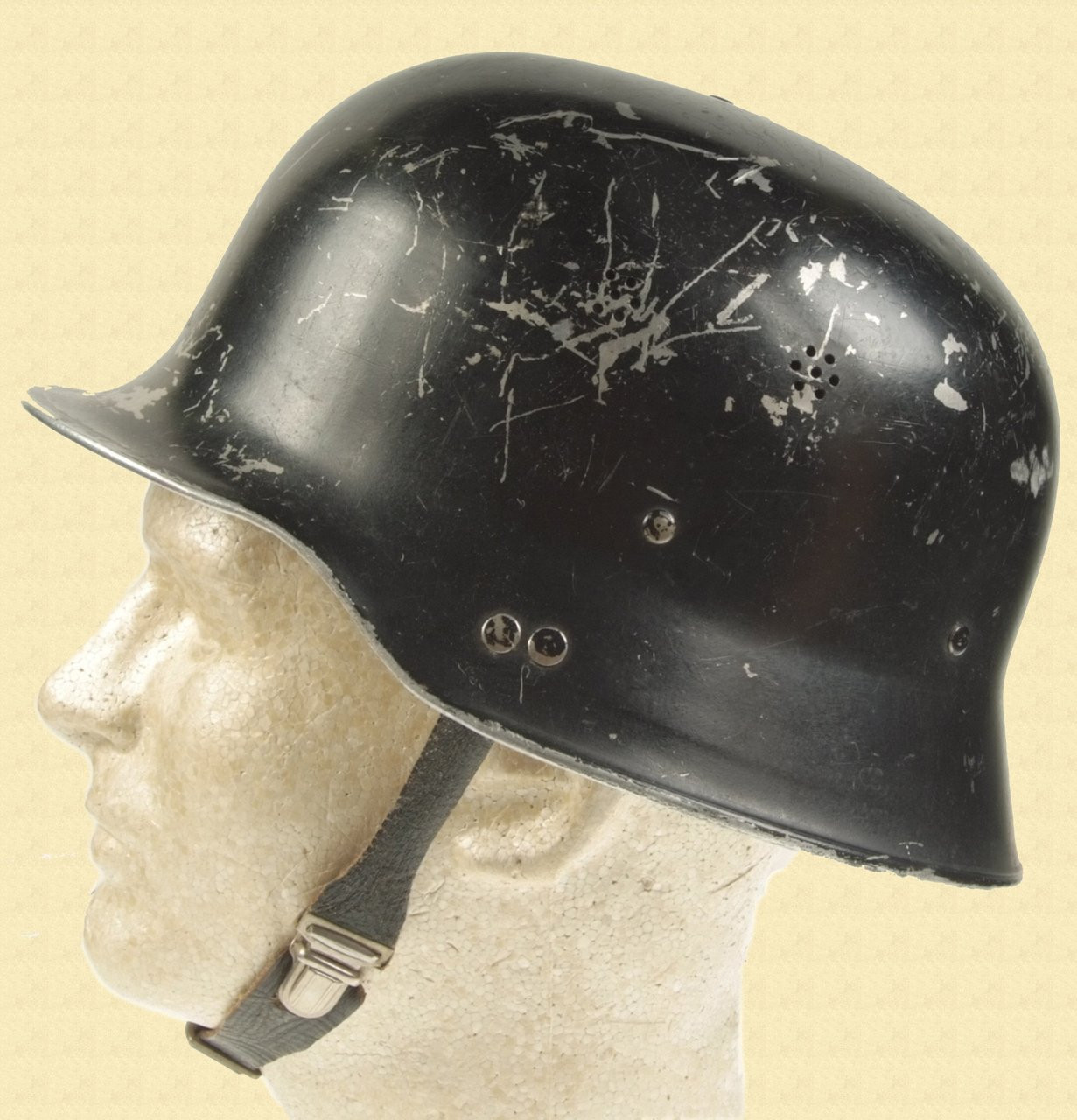 GERMAN WW2 CIVIL DEFENSE HELMET - C11670