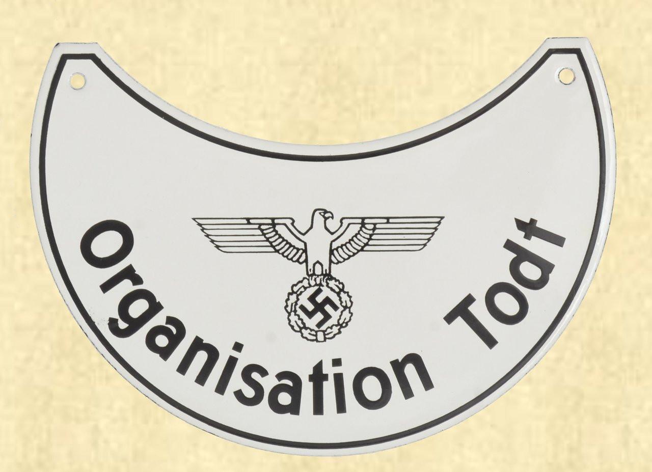GERMAN ORGANISATION TODT GORGET (NO CHAIN) - C41653