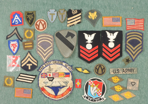 U.S. MILITARY PATCHES LOT OF 33 - C42769