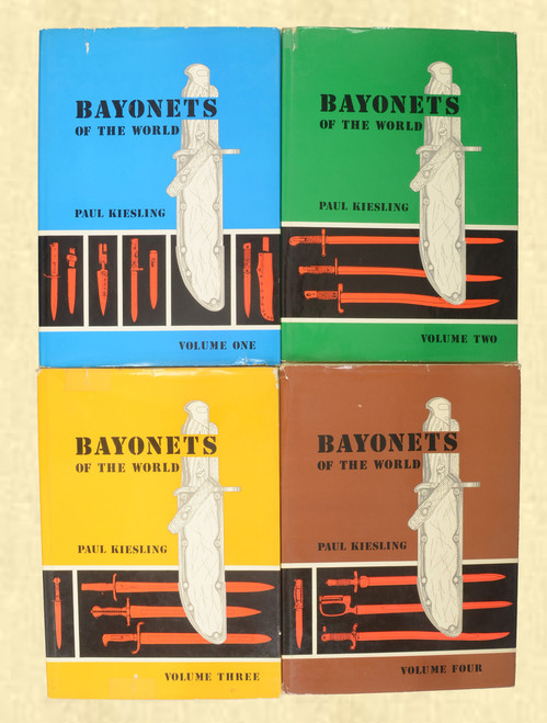 BOOKS SET BAYONETS OF THE WORLD - C42911