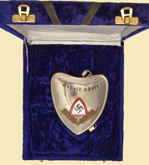 GERMAN WW II RAD OFFICER'S GORGET - C41617