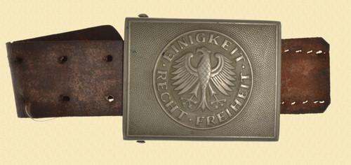 German Post WWII Belt Buckle - M7910