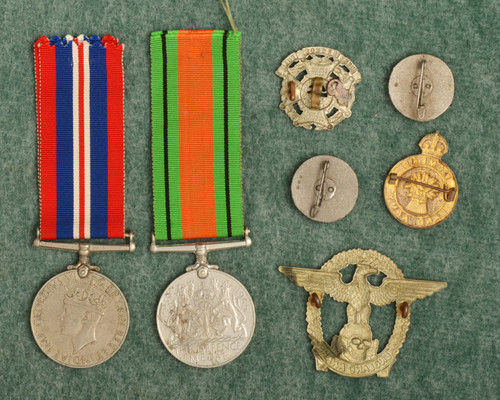 BRITISH Military Medals and Pins - C48083