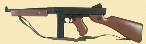 THOMPSON SUB MACHINE GUN NON GUN - M8024