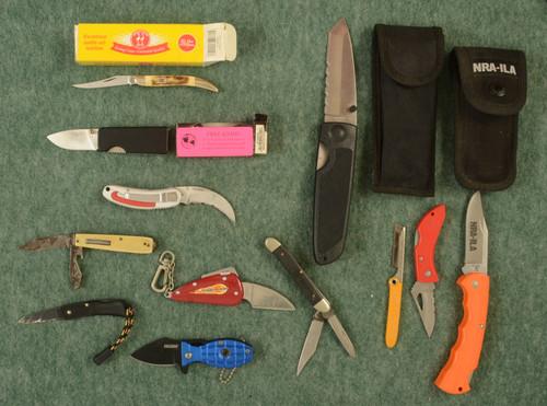 KNIVES AND LOCKS - C32411