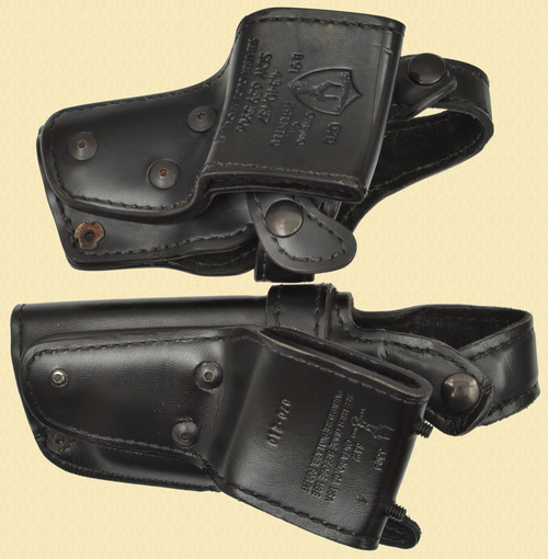 SAFARILAND HOLSTER LOT OF 2 - C33213