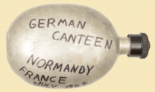 GERMAN WW II CANTEEN - C32178