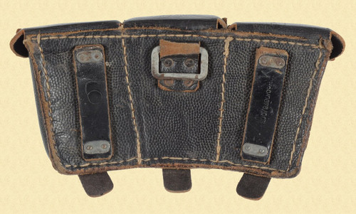 GERMAN RIFLE AMMUNITION 3 POCKET POUCH - C17923