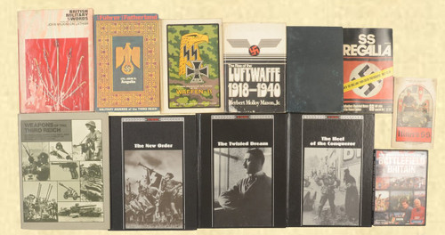 BOOK MILITARY BOOKS LOT OF 11 + 1 DVD - C40286