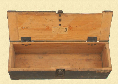GERMAN WW2 MUNITIONS BOX - C8235