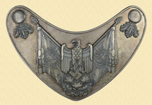 GERMAN WW2 FLAG BEARERS GORGET - C18676