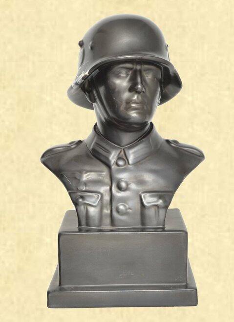 GERMAN BUST OF A GERMAN SOILDER - C41654