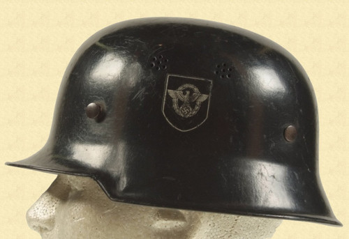 GERMAN WW2 POLICE HELMET - M3999