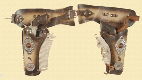 ROY ROGERS CAP PISTOLS - M4165