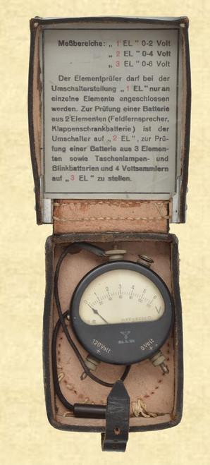 GERMAN WW2 VOLTMETER WITH CASE - M6599