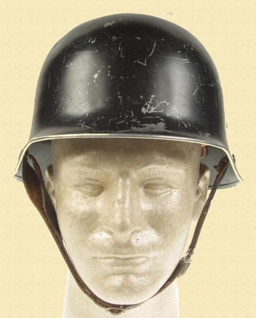 GERMAN WW2 CIVIL DEFENSE HELMET - C11670