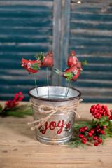 Holly Leaf Cardinal Pick