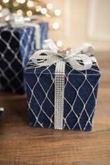 """6"""" Navy Velvet Jewel Gift Box"""