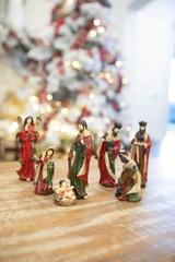 Resin Crackle Nativity - Set of 7