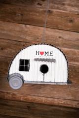 "13.3"" Birdhouse Camper"