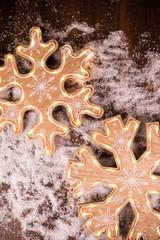 """14.5""""H B/O Lighted Snowflake Wall Decor"""