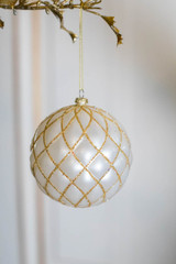 10 CM White with Gold Matte Glitter Quilted Net Ball Ornament