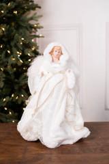 "16"" Angel Tree Topper White Cloak"