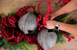 4 Steps to Make Your Own Gorgeous Christmas Swag