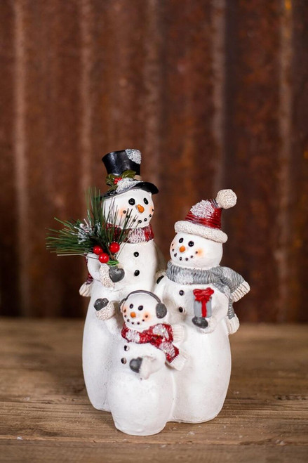 """9x5"""" Resin Traditional Snowman Family"""