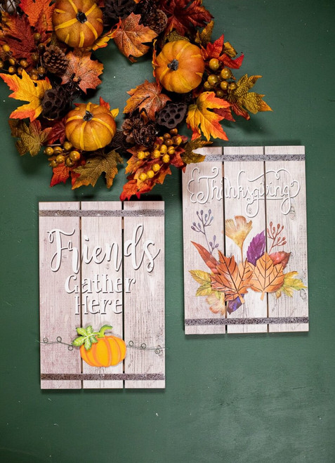 Wood Fall Greeting Wall Décor