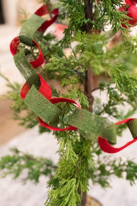 """66.5"""" Red and Green Burlap Rope"""