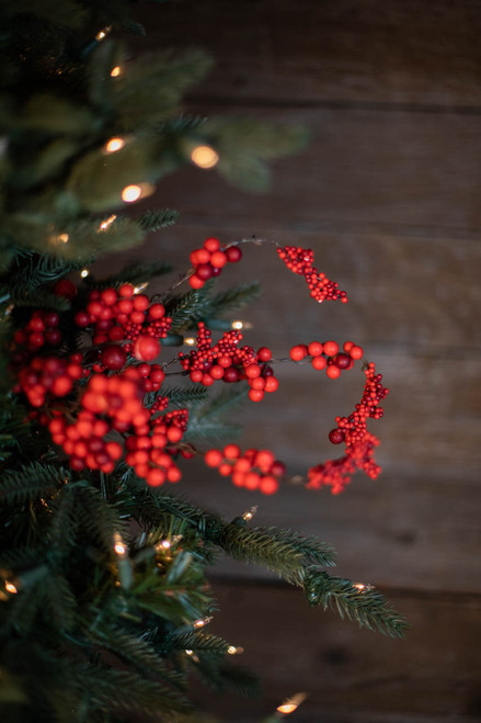 """18"""" Dew Berry Christmas Spray - Red Mix"""