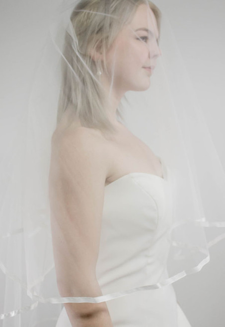 Double Layer Veil with Satin Outline