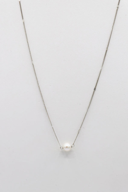 Harper Necklace in Silver. Simple and perfect.