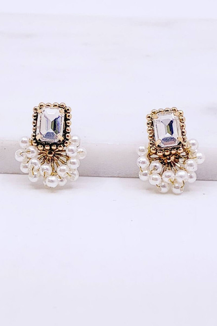 Ava Pearl Earring. A touch a classic style with boho flair.