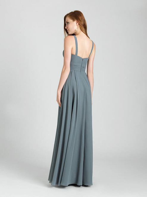 Crossover ruching and a defined waist creates a structured bodice for this chiffon gown.