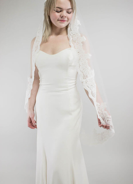 Dramatic Lace Edged Veil