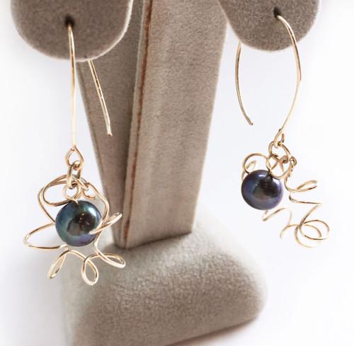 Celest Michelotti: Stars Earrings (cultured pearl)