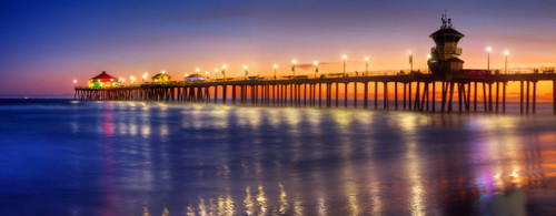 "'Huntington Beach Pier"" by Cavanah. This is a limited edition, signed and numbered giclŽe print.  A certificate of authenticity will be included with your purchase"
