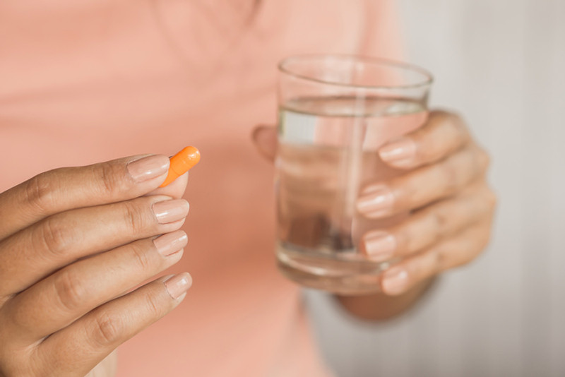 4 Simple Tips to Make Swallowing Pills Easier