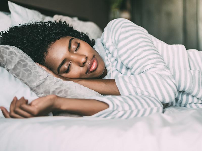 9 Best Herbs & Supplements to Sleep Better at Night