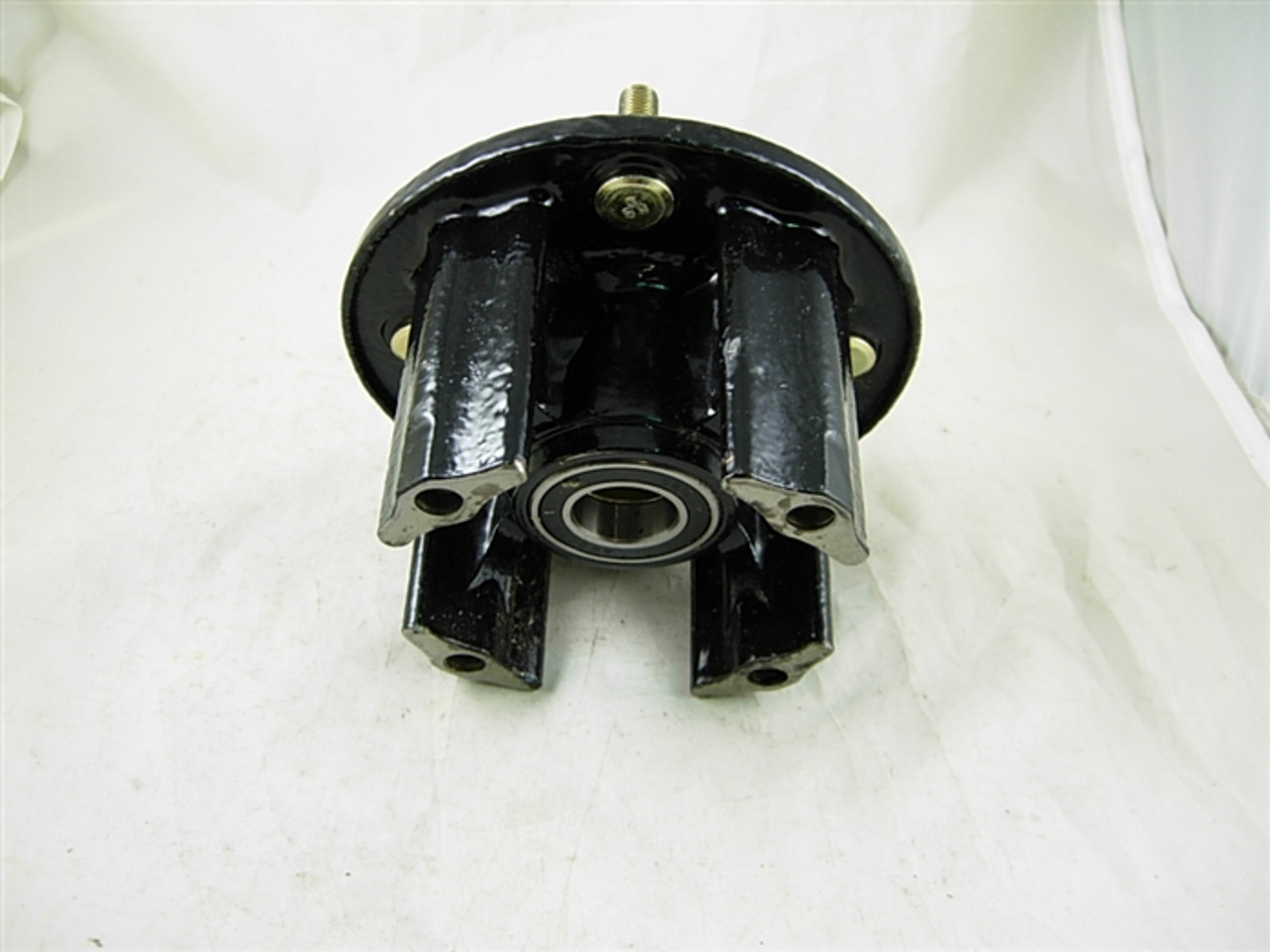 HUB AND BEARING ASSEMBLY 11650-A92-12