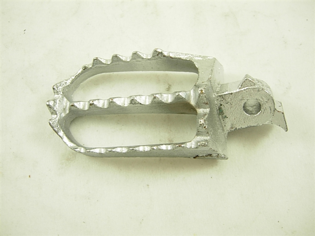 FOOT PEG RIGHT 12928-A163-12