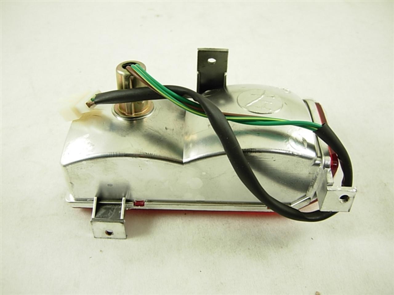 tail light assembly (left side) 13369-a188-3